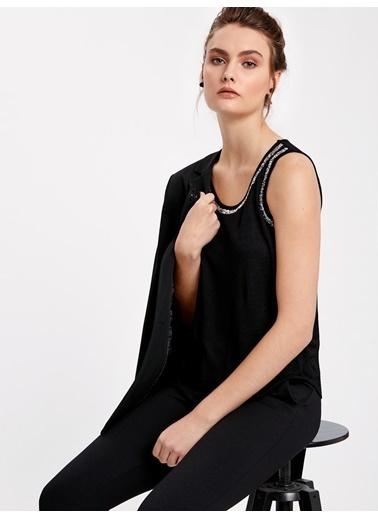LC Waikiki Kolsuz Taşlı Bluz Siyah